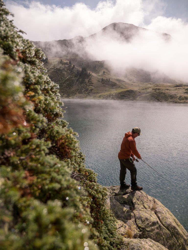 Lac de montagne pêche